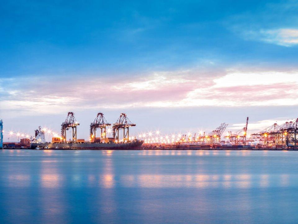 Em decisão unânime, STJ exclui a taxa portuária da base de cálculo do Imposto de Importação
